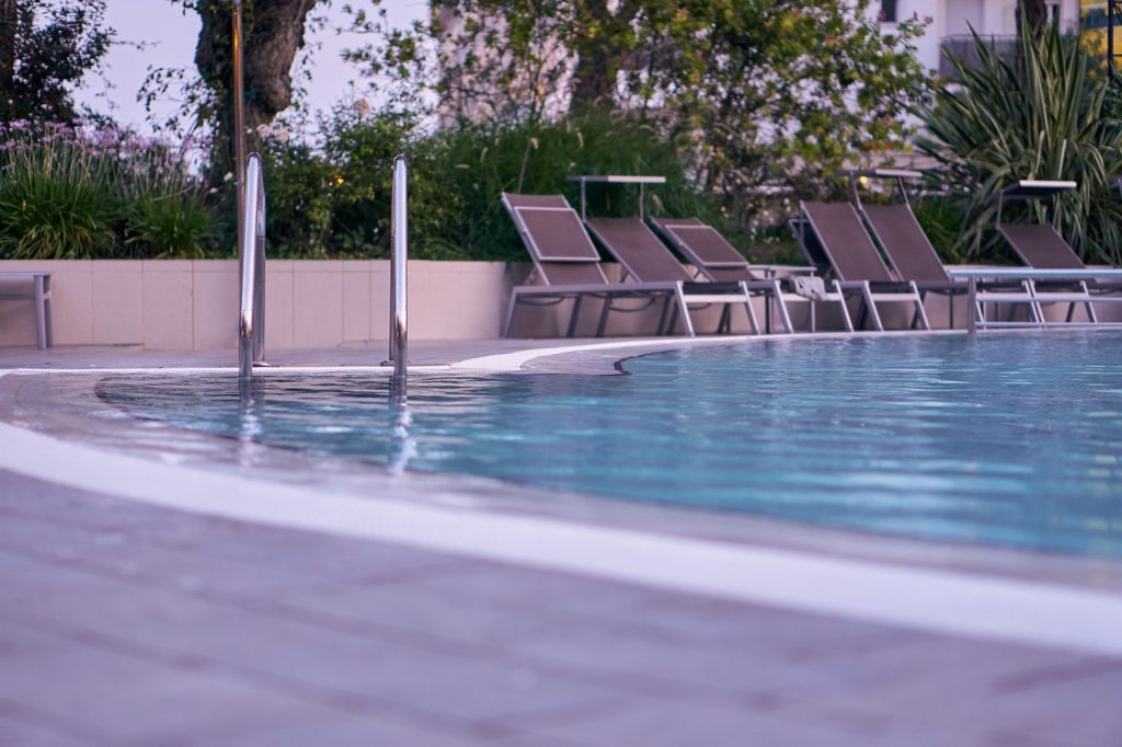 poolleiter fest