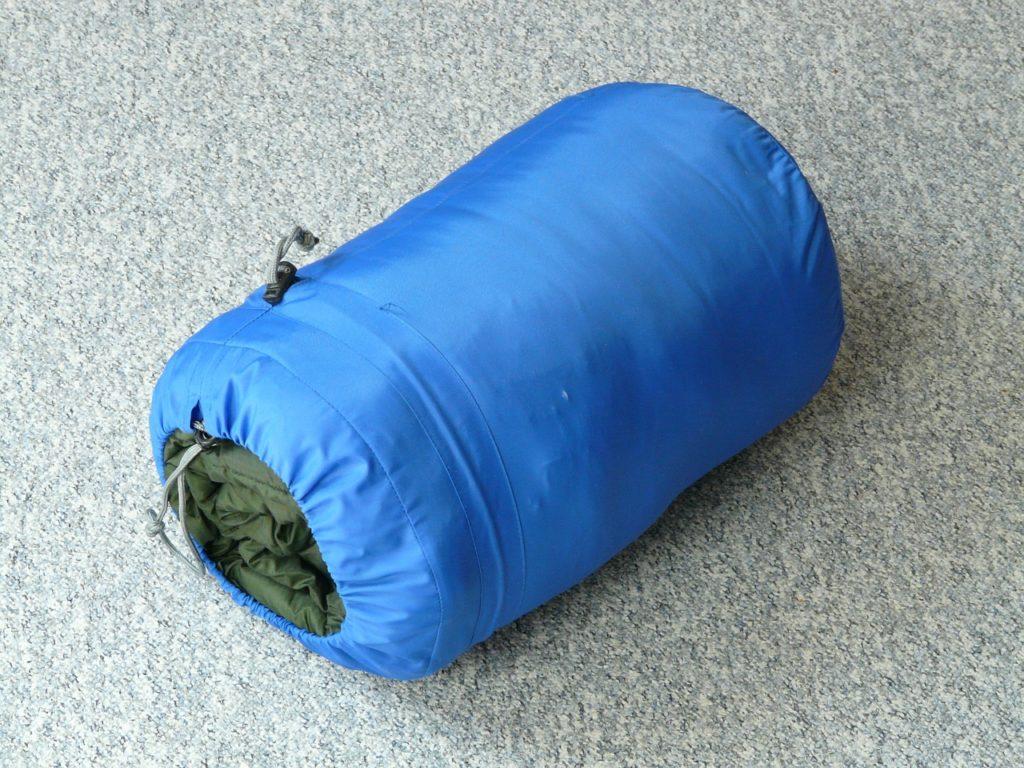 Schlafsack gepackt