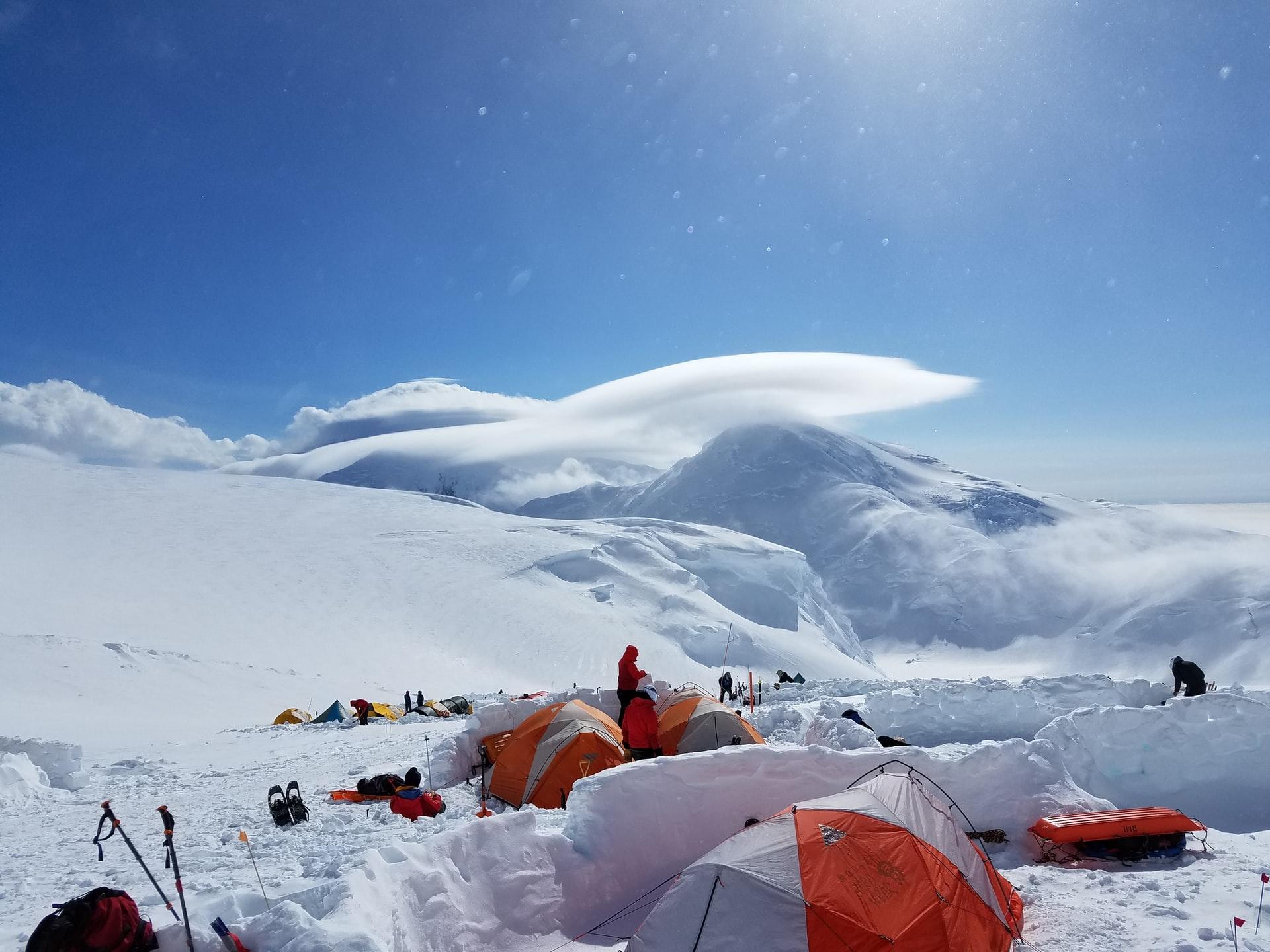 Zelte im Schnee