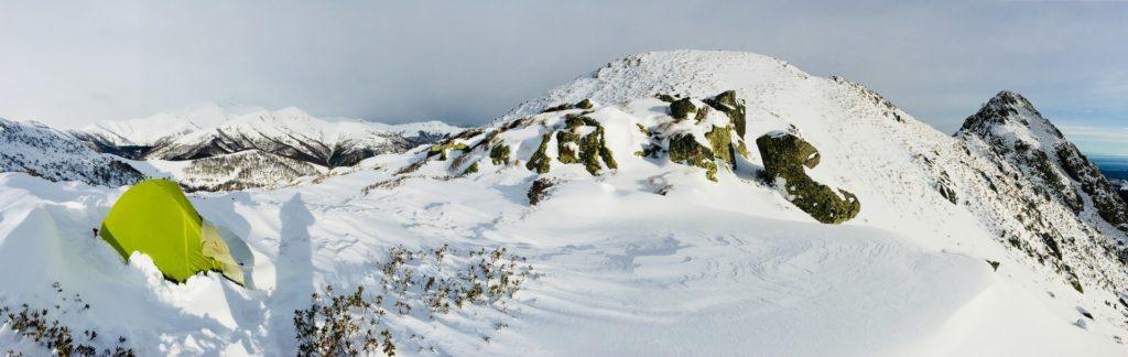 Winterzelt auf dem Gipfel